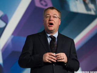 Elop Reportedly Mulls Big Changes at Microsoft If He Gets CEO Job