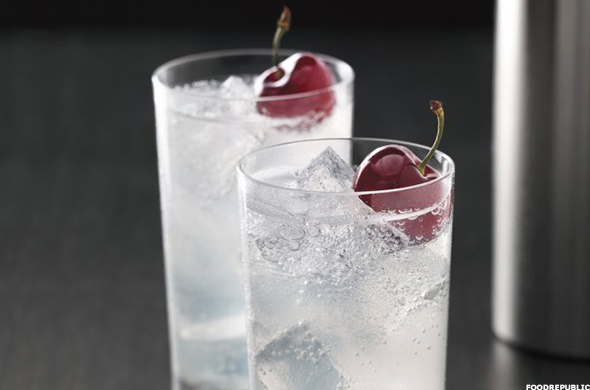 The 10 best vodka drinks thestreet for Great vodka mixed drinks
