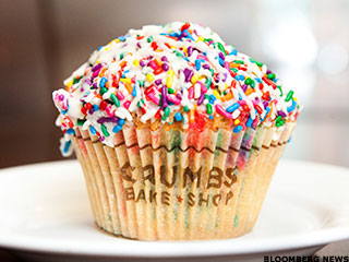 Crumbs Shuts Up Shop as Craze for Cupcakes Wanes