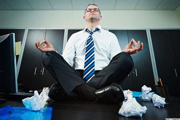Meditating On The Toilet And 7 Other Ways To Relax At Work Thestreet