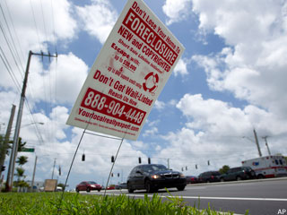Foreclosures Sink Back to 2007 Levels