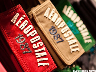 Aeropostale Struggling to Show it Can Still Be Cool Like Forever 21, H&M