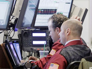 Dow Falls Almost 300 as Eurozone Flares Up Again