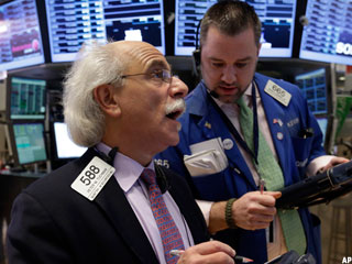 Stock Market Today: U.S. Stocks Finish Near Session Lows as Time Warner Plummets