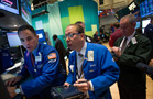 Stock Futures Cautious as Consumer Weakens, Citigroup Beats