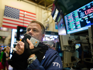 Stocks Slammed by Fiscal Cliff Fears