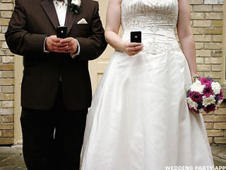 4 Ways To Keep Smartphones And Social Media From Ruining A Wedding