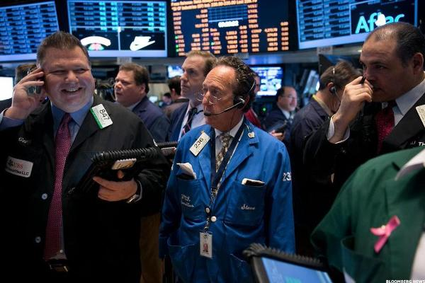 Closing Bell: Stocks Close Lower as Utilities Drop, Oil Prices Climb