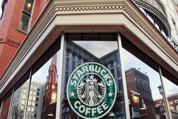 Jim Cramer on Why Domino's and Panera Have Better Technology Than Starbucks