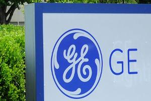 GE Shares Fall as Industrial Orders Fall Short