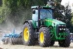 Midday Report: Deere & Co. Tops Profit Estimates; Fed Speculation Continues
