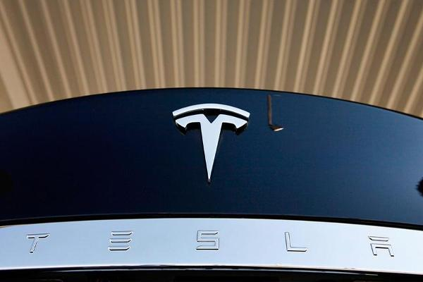 Tesla Reports First Net Profit in 3 Years, Says No Need for Capital