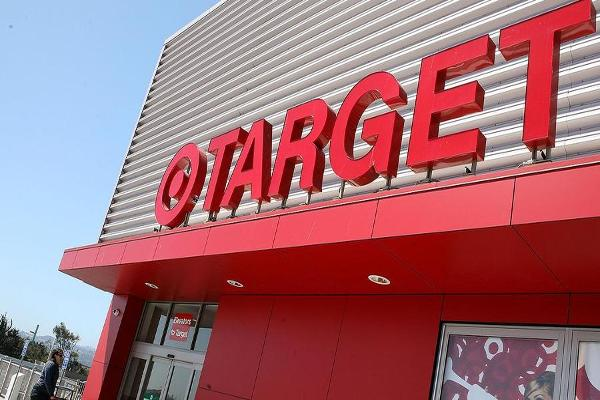 Target Shares Fall After Cowen Analysts Cut Rating