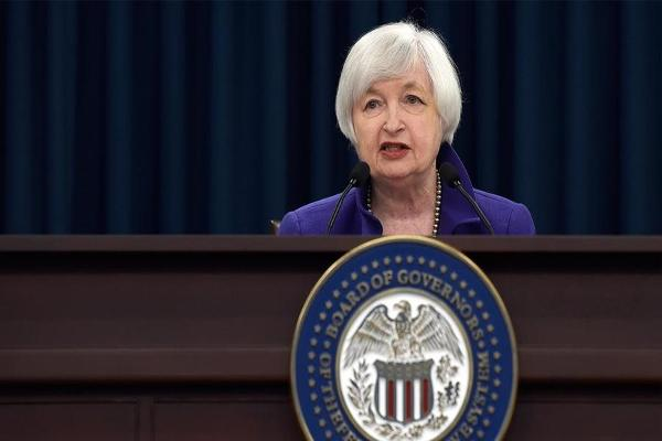 Markets Lower as Oil Tumbles and Markets Absorb Yellen's Comments