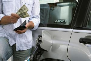 Filling Your Tanks on Mondays Could Save You Hundreds This Summer