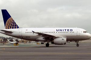Jim Cramer is Cautious on United's Stock Ahead of Data on Passenger Revenue