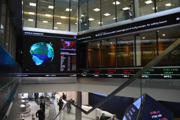 Global Financial News: Currency Markets in the Spotlight