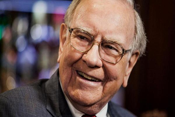 Warren Buffet Holds the Line on Coca-Cola and Is Quadrupling Apple Stake