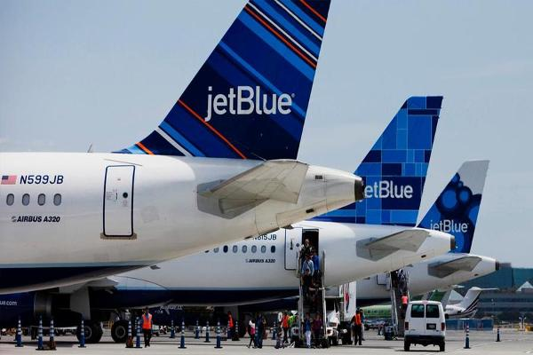 JetBlue Shares Take Off on Raised Outlook