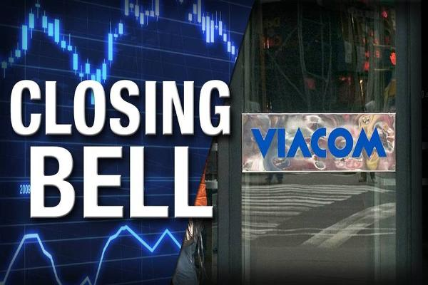 Closing Bell: U.S. Stocks, Oil Slump; Viacom Spikes on Deal Talk