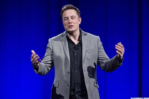 Tesla CEO Musk Working to Link the Human Brain With a Machine Interface