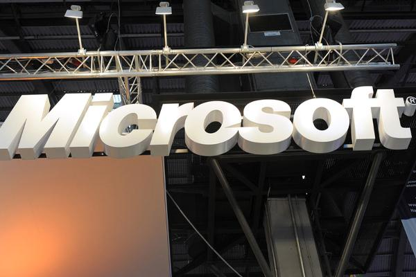 Microsoft Lags Dow in Tech Selloff; Yellen Spooks Wall Street