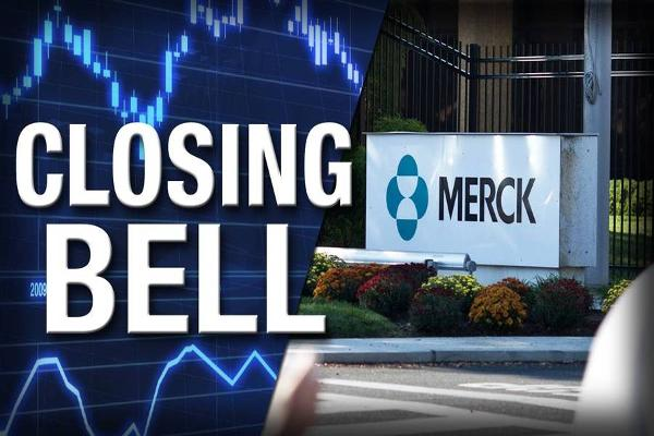 Closing Bell: Merck Falls, Gilead Jumps; Stocks End Mixed