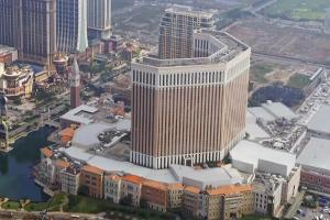 Crown Resorts Sells 13.4% Stake in Melco Crown