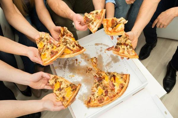 How America's Pizza Giants Are Trying to Win Your Super Bowl Order