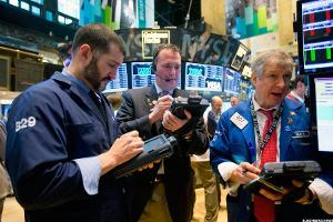 Closing Bell: Intel Gets Barclays Nod; Stocks Climb as Netflix, Goldman Sachs Jump