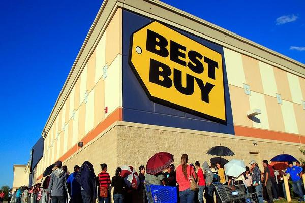 Best Buy Shares Rise on Better-Than-Expected Second Quarter