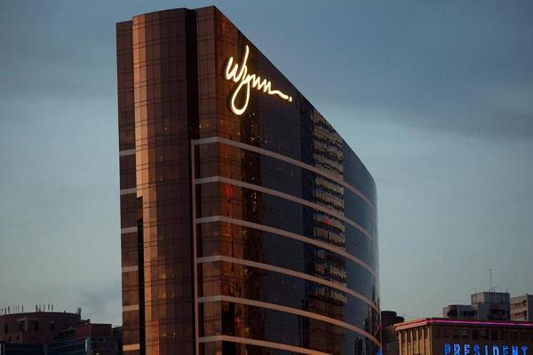 Jim Cramer: Las Vegas Sands or MGM Resorts Could Buy Wynn Resorts