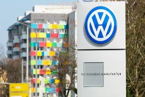Closing Bell: Volkswagen to Pay $10B to Settle Investigation; U.S. Stocks Up