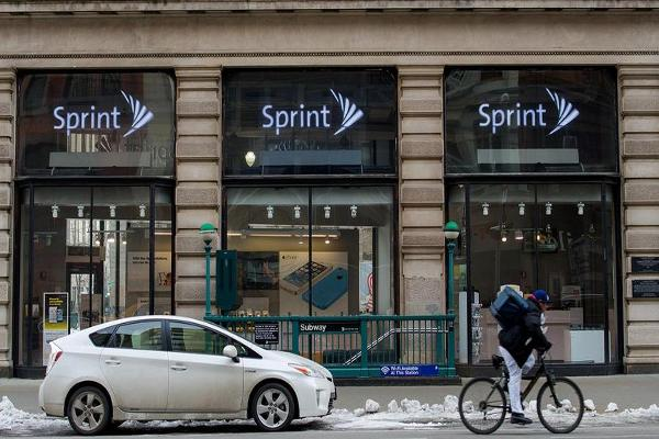 Sprint to Create, Bring Back 5,000 Jobs to U.S.