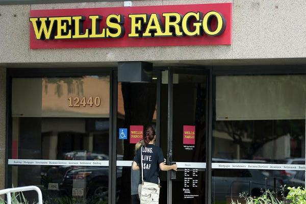 Wells Fargo Testimony Doesn't Pop Financial Industry Conference Bubble