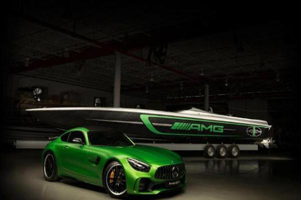 Mercedes Unveiled an Insane Super Speedboat