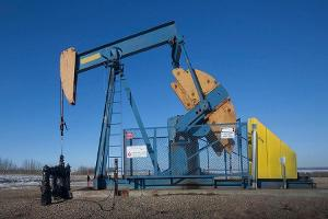 Midday Report: Crude Supplies Show Steep Build; U.S. Stocks Decline
