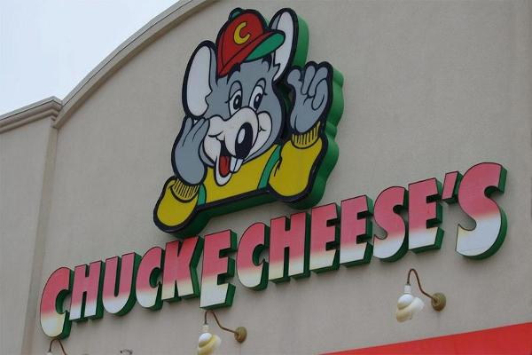 Chuck E. Cheese's Could Go Public in 2017