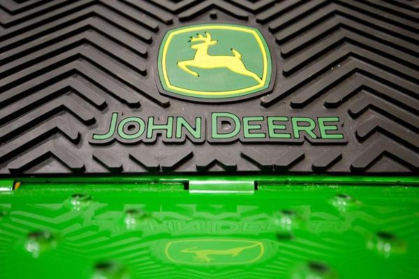 Deere Shareholders Benefit as CEO Cuts Production Costs