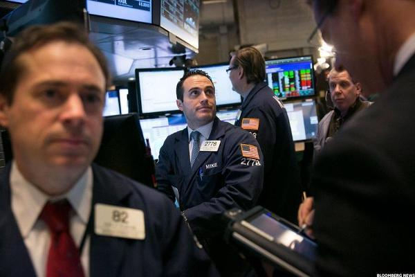Closing Bell: Icahn Cuts Chesapeake Stake; U.S. Stocks Climb Ahead of Fed Decision