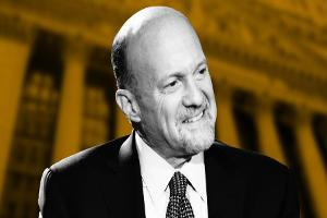 Jim Cramer Reacts to Bank Earnings, Netflix, Jack Bogle and Apple
