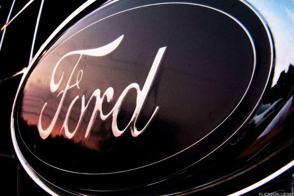 Ford's CEO Just Got a Badly Needed Vote of Confidence From His Boss