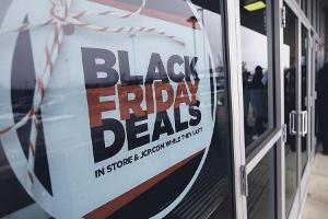 Here's Why Shoppers Are Headed to These 6 Retailers on Black Friday