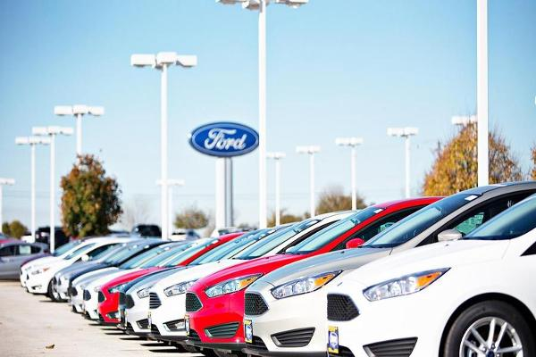 Ford, General Motors, Toyota and Nissan Post Declining August Auto Sales