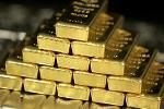 Gold Hits 1-Month High as Market Expert Says Silver Looks 'Fantastic'