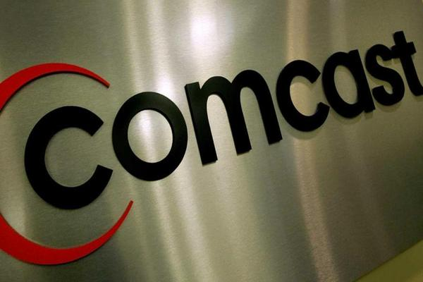 Closing Bell: FCC Hits Comcast With Fine; U.S. Stocks Sell Off