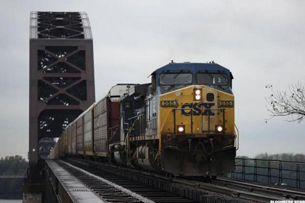 Veteran Favored for CSX Helm Could Push For A Major Makeover