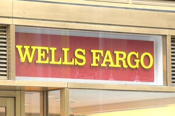 Jim Cramer: Wells Fargo Is Just Like Chipotle; Takes 18 Months to Recover From Disaster