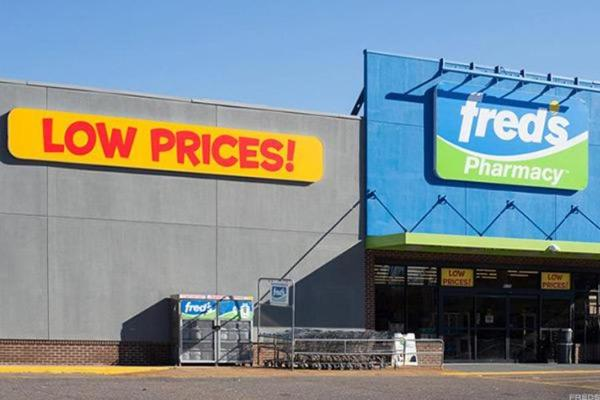 Fred's Agrees to Acquire 865 Rite Aid Stores, Shares Soar