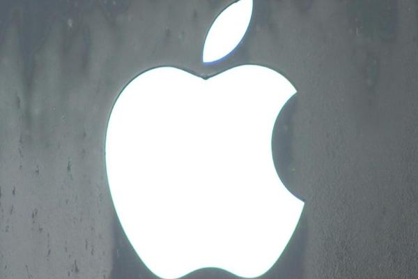 Jim Cramer: Apple Is Close to a $1 Trillion Market Cap